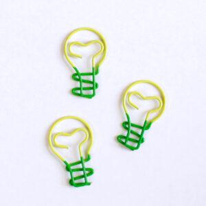 clips de lâmpada com coração dentro