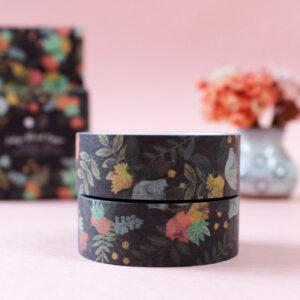 washi tape de flores com fundo preto